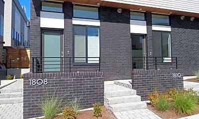 Building, 1808 E Spruce St, 1