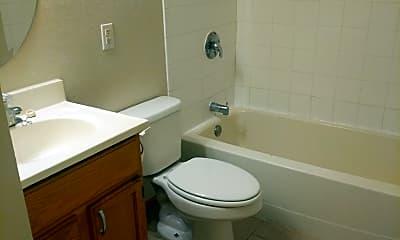 Bathroom, 976 S Robert St, 2
