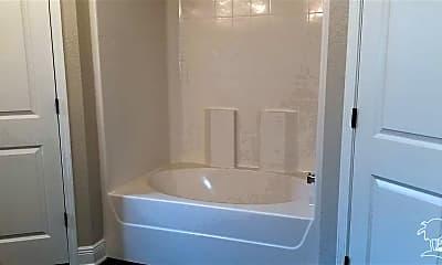 Bathroom, 938 John Deere Ln, 2