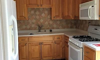 Kitchen, 915 Newell Ave, 1