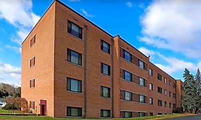 Building, Earle Manor Apartments, 0