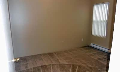 Bedroom, 3326 Lombard Ave, 2