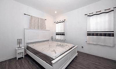 Bedroom, 4307 S Budlong Ave, 1