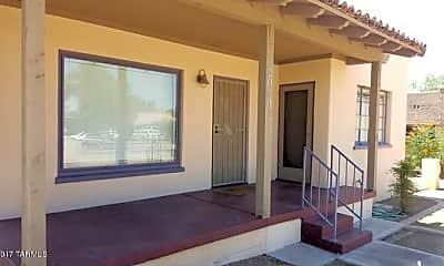 Building, 2050 E 8th St, 1