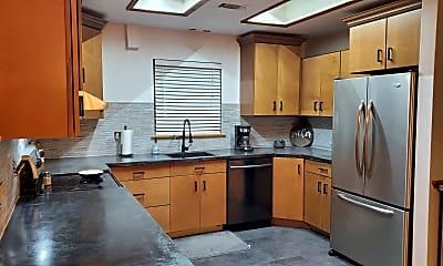 Kitchen, 15039 Chamberlain Blvd, 1