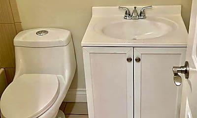 Bathroom, 543 Salem St, 2