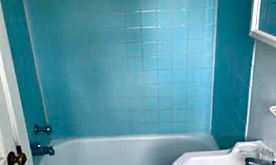 Bathroom, 315 Lumber St A, 1