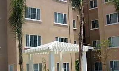 Plaza City Apartments, 1
