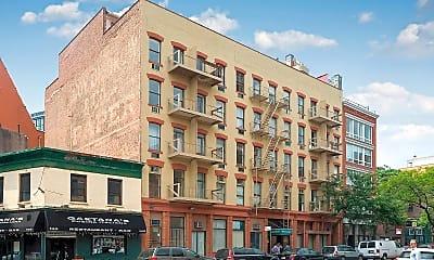 Building, 690 Greenwich St, 2