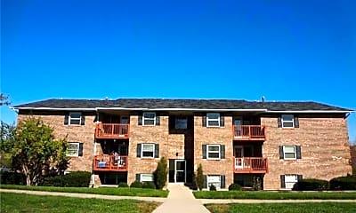 Building, 740 Gordon Smith Blvd, 2