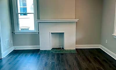 Living Room, 98 S Grandview Ave, 1