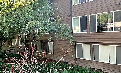 Bellevue Manor, 0
