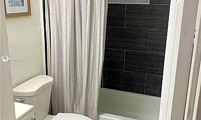 Bathroom, 708 NW 4th Ave 3, 2