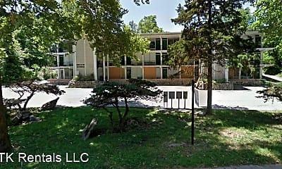 Building, 28 E Stewart Rd, 1