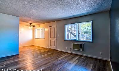 Living Room, 107 King Rd, 1