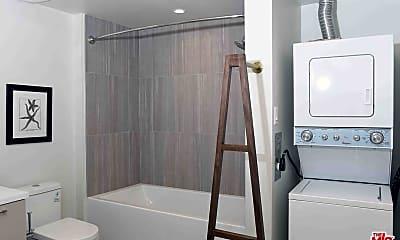 Bathroom, 1515 Wilshire Blvd 430, 2