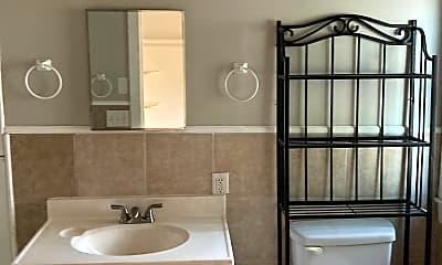 Bathroom, 24 Mount Globe Street, Unit 1, 2
