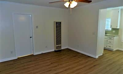 Bedroom, 905 S Cabrillo Ave, 1