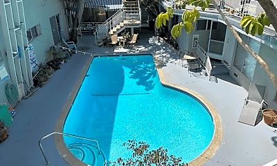 Pool, 941 N San Vicente Blvd, 1