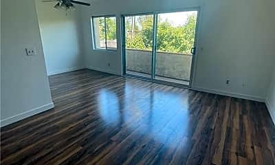 Living Room, 5900 Murietta Ave 203, 1
