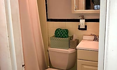 Bathroom, 116 Marlborough St, 2