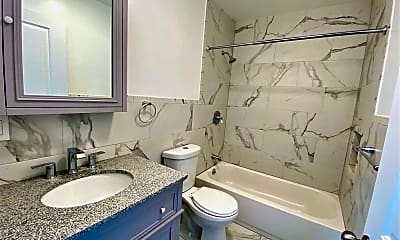 Bathroom, 95-15 108th St 2, 1