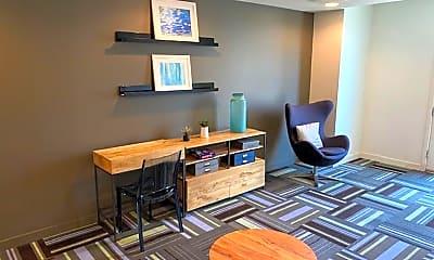 Living Room, 612 E Carson St, 1