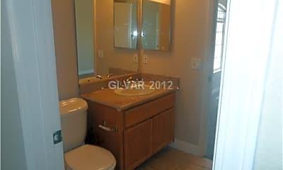 Bathroom, 5028 Sublight Ave, 2
