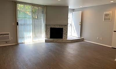 Living Room, 2642 S Sepulveda Blvd, 2