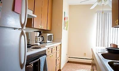 Kitchen, 563 Cleveland Ave S, 1