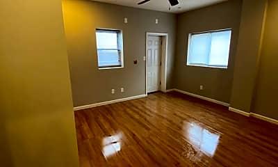 Living Room, 2113 E Huntingdon St, 1