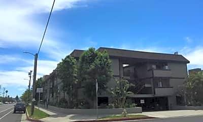 Building, 9413 Van Nuys Blvd, 1