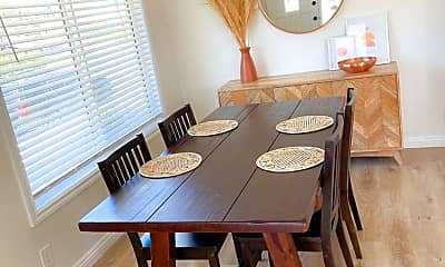 Dining Room, 424 Ford Rd, 2