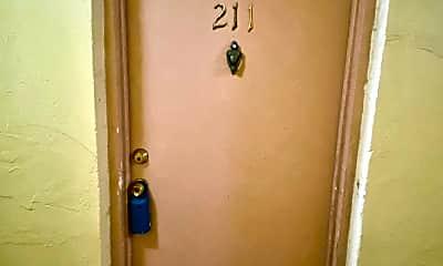 Bathroom, 666 W 81st St, 1