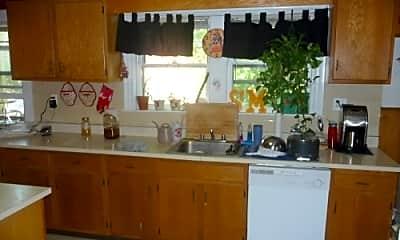 Kitchen, 13 Lake St, 2