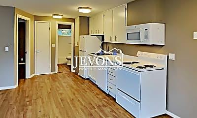 Kitchen, 102 Summit Ave N, 1