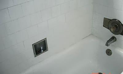 Bathroom, 734 W 3rd St, 2
