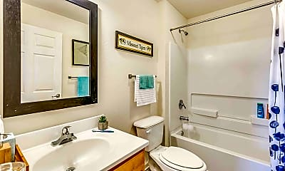 Bathroom, Arch COMO-Per Bed Lease, 2