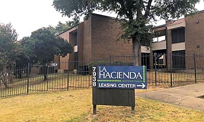 La Hacienda Apartments, 1