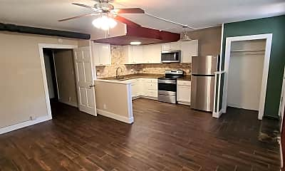 Living Room, 305 Allen St, 1