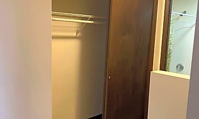 Bathroom, 1427 S 2nd St W, 2