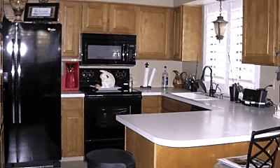 Kitchen, 566 E 3300 N, 1