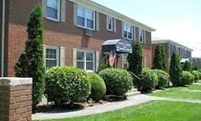 Building, 320 Shennecossett Rd, 1