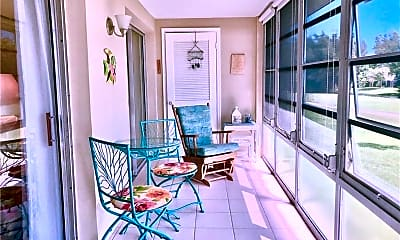 Patio / Deck, 36 Pine Arbor Ln, 1