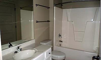 Bathroom, 215 Nash St E, 2