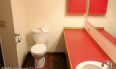 Bathroom, 101 Penny Ln, 2