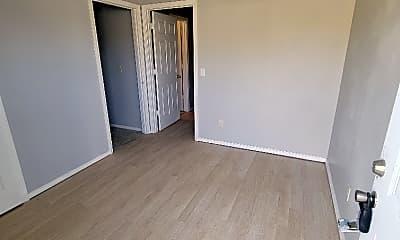 Bedroom, 202 N Mississippi St, 1