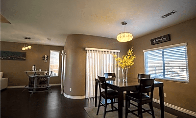 Dining Room, 11264 Bridle Ln, 1