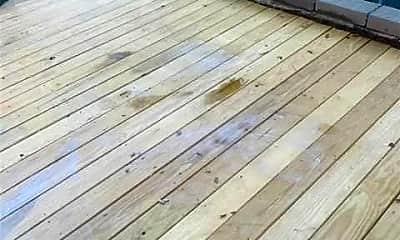 Patio / Deck, 18-10 Weirfield St, 1