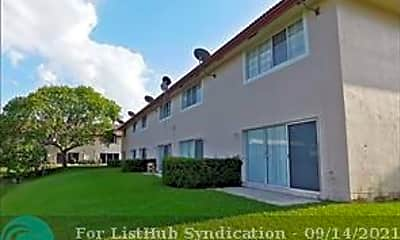 Building, 8985 NW 38th Dr, 2